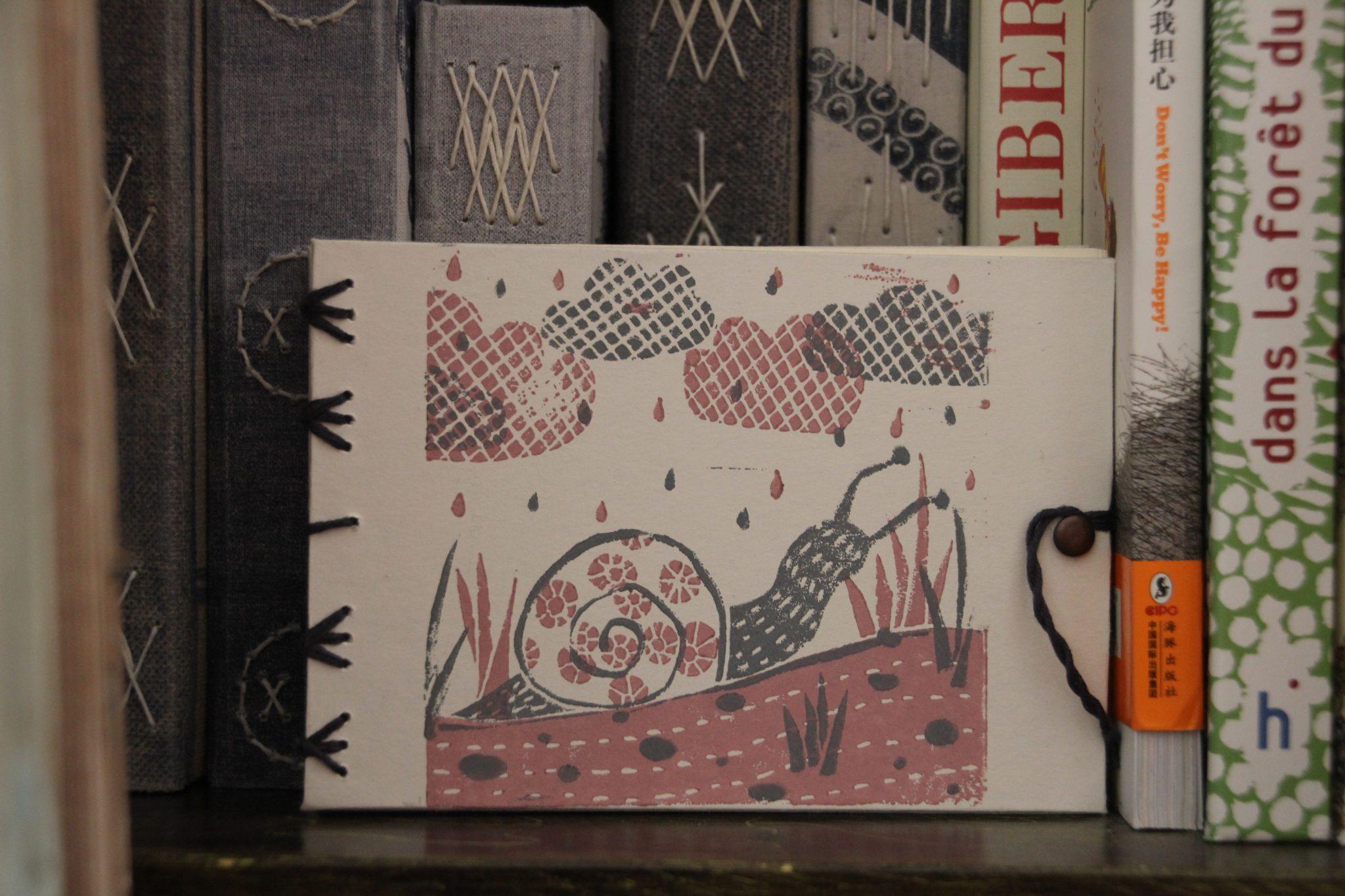 carnet escargots reliure copte | LinoLino | Linogravure | Créations artisanales