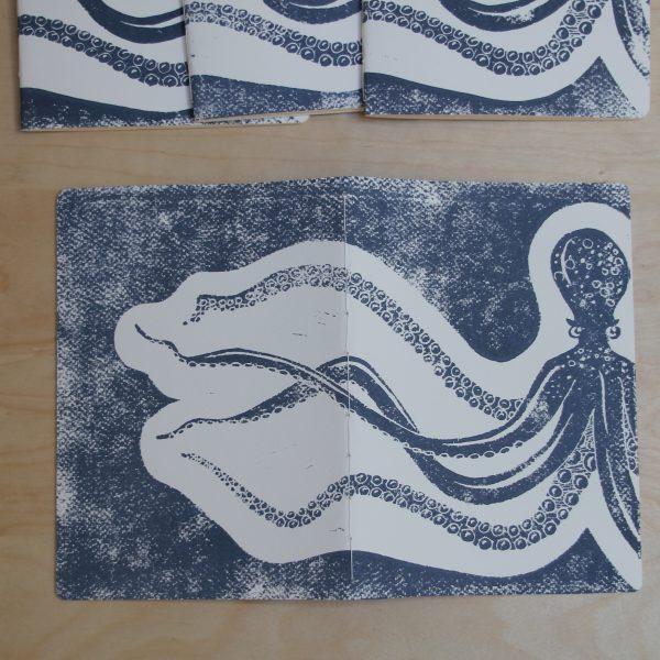 carnet poulpe linogravure (couverture entière)   LinoLino   Créations artisanales