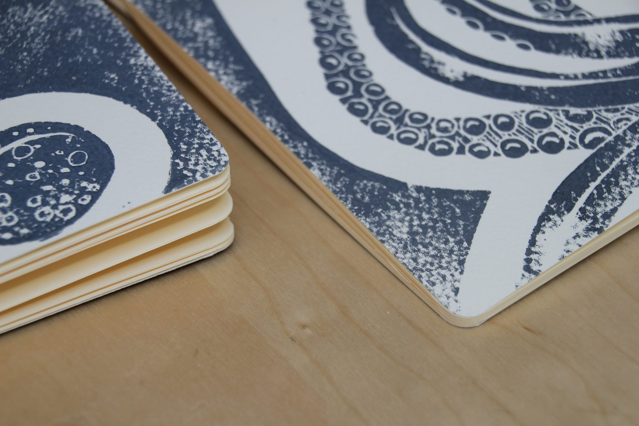 carnet poulpe linogravure (bords arrondis) | LinoLino | Créations artisanales