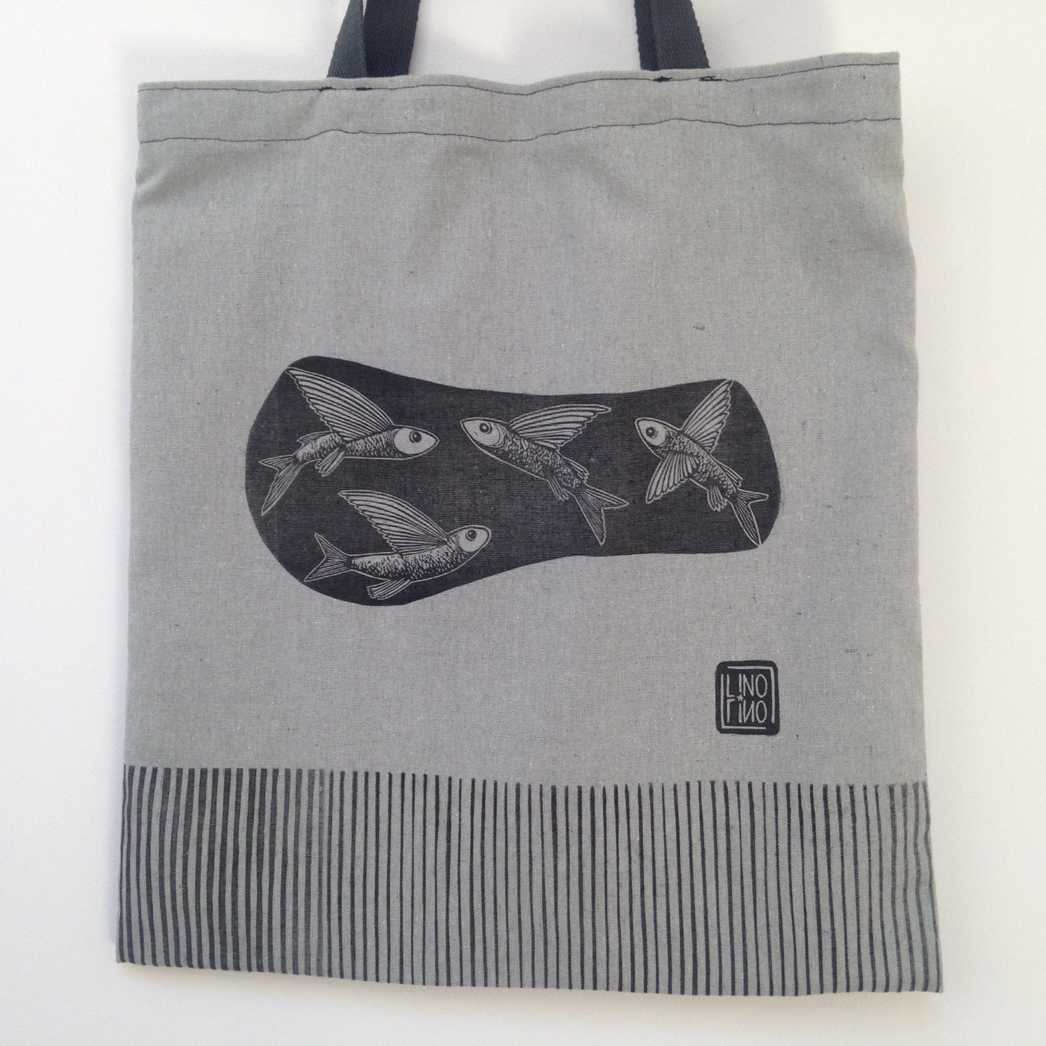LinoLino | Linogravure et créations à partir d'impressions artisanales | Chambéry, France | Impression originale illustration sac coton recyclé zero dechet poissons volants