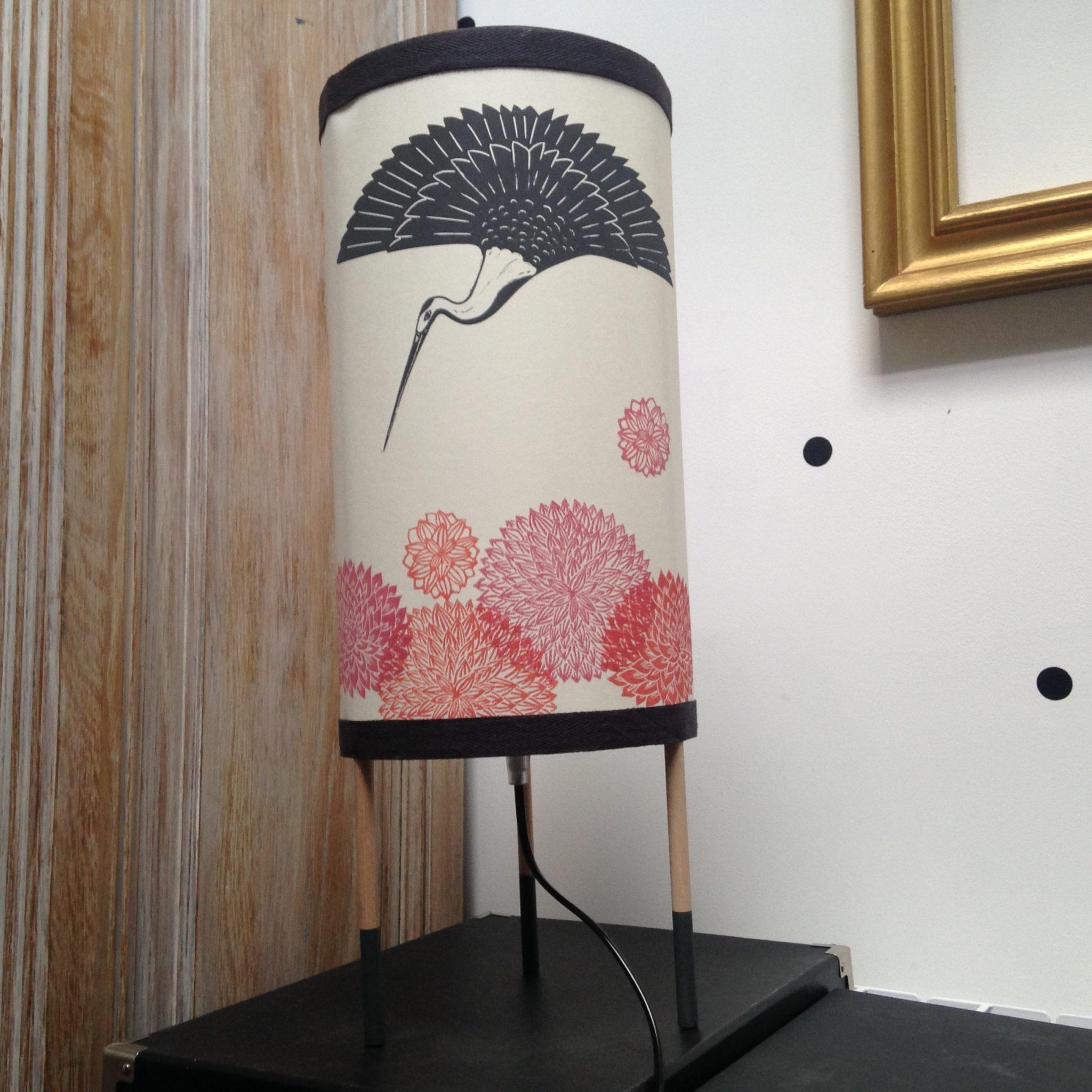 LinoLino | Linogravure et créations à partir d'impressions artisanales | Chambéry, France | Lampes | Lampe à poser Grue Royale, grand modèle